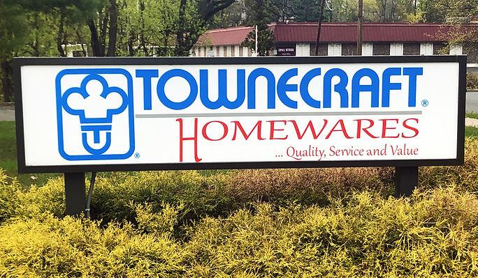 Townecraft_Homewares_AboutUs_ExteriorSig