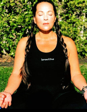 10 One-Minute Mindful Moments for Moms