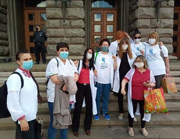 BULGARIA – Again justified protests of the medical stuff!