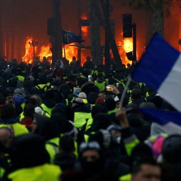 France - 50,000 'yellow vests' take to the streets again