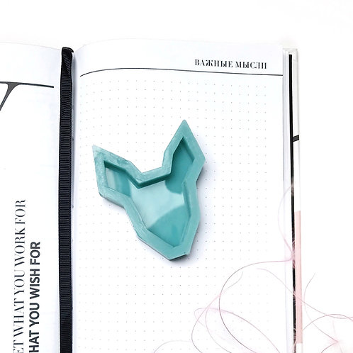 "Silicone form for brooch ""Fawn"", model No. 22"