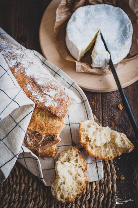 Pain de campagne et fromage