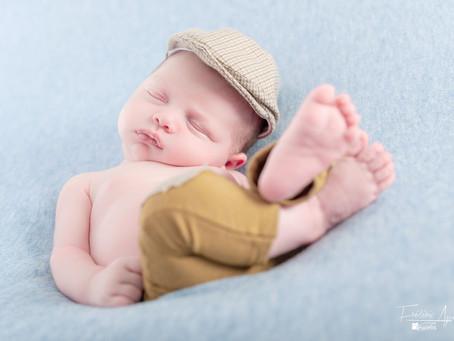 Bébé prend la pose