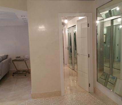 White Venetian Plaster|Silver Leaf