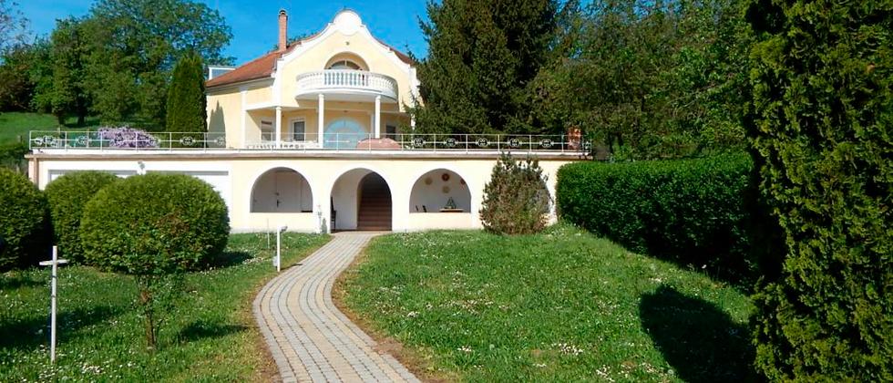 PO-20 - Gepflegte Villa mit Doppelgarage u.allem Komfort...