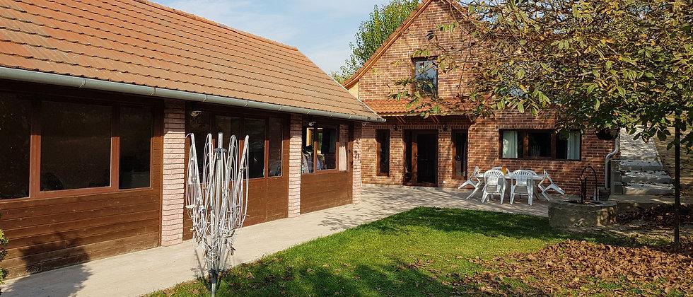 BS-20 - Anwesen mit Wohn u. Gästehaus - Ruhige Lage - 2 Km v. See - 5000 m2 Land