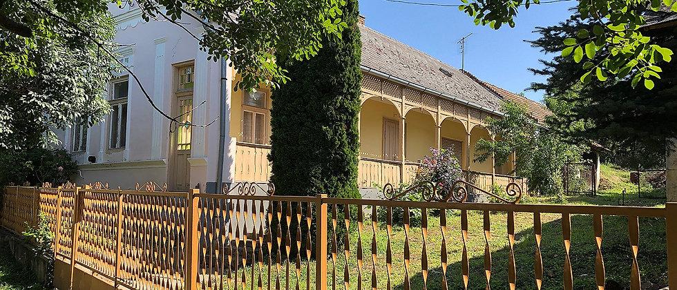 TG-85 - Klassisches Bauernhaus - guter Zustand - 5000m2 Land - 25 Min. v. See