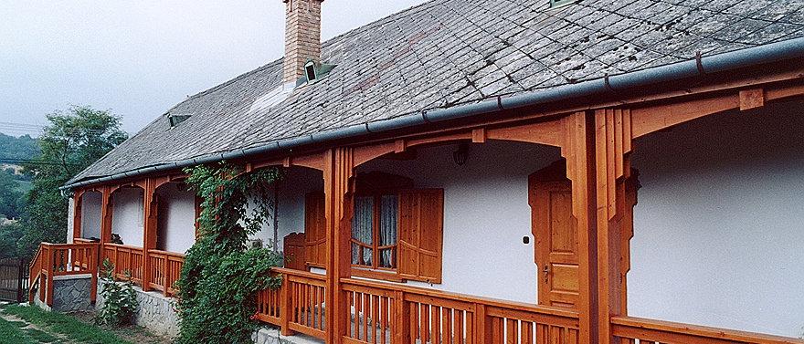 BO-50 - Landhaus - 3.5 Zimmer - 9'572 m2 Land
