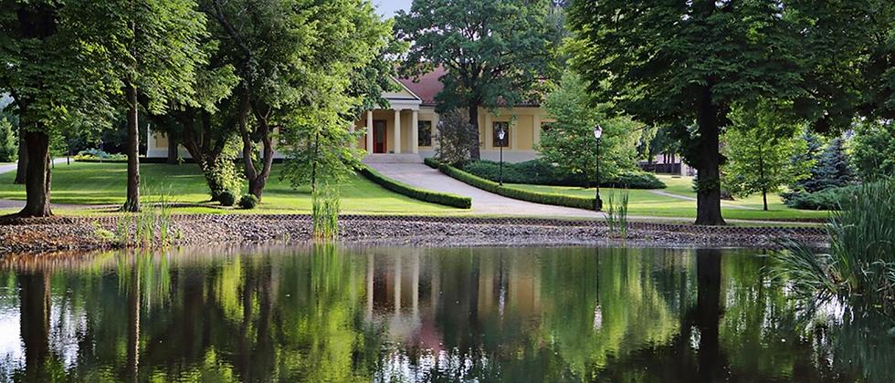 Luxus Schloss - Aus dem 18. Jahrhundert - 1500 m2 WF - 30 Minuten v. Budapest