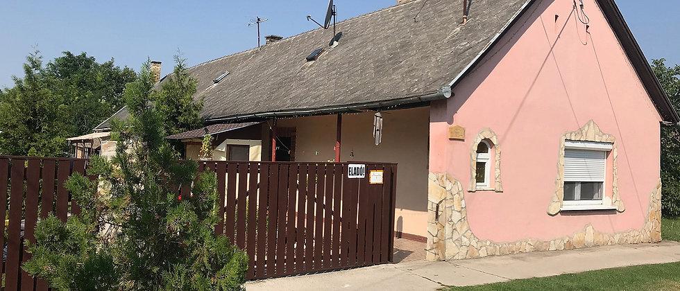 IR-66 - Teil renoviertes Bauernhaus. 25 Minuten vom See