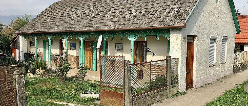 IR-99 - Schön renoviertes Bauernhaus - zentrale Lage - 25 Min. v. See