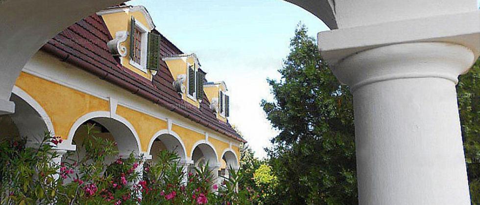 PL-01 - Rarität - Im Jahr 1750 erbautes 12-Zimmer Herrenhaus...