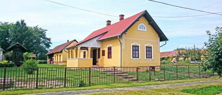 PA-20 - Renoviertes Bauernhaus mit 8564 m2 Land - Westlich vom Plattensee