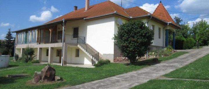 SM-33 - Exkl. Wohnhaus m. grossem Grundstück - 1.4 Hektar und 196 m2 WF