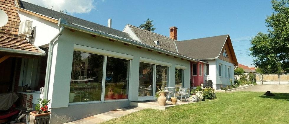 ZL-20  - Stilvoll saniertes Anwesen- Ideal für Pferdeliebhaber - 220 m2 WF