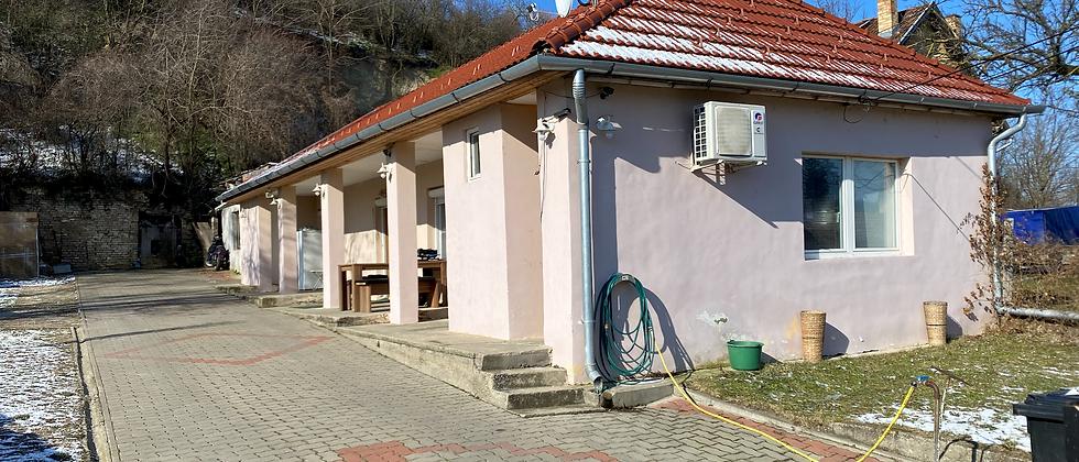 OZ-10 - Günstiges - Gut ausgebautes 2,5-Zi. Wohnhaus - Garage - neues Dach -
