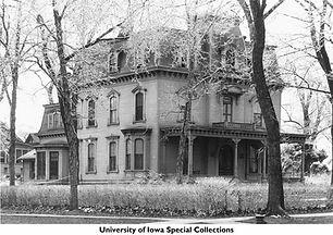 Carson House, 906 E College St, Frederic