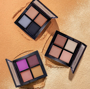 three-black-square-makeup-palettes-26399