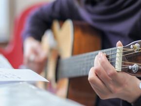巣ごもり需要でギターやウクレレなど楽器が人気