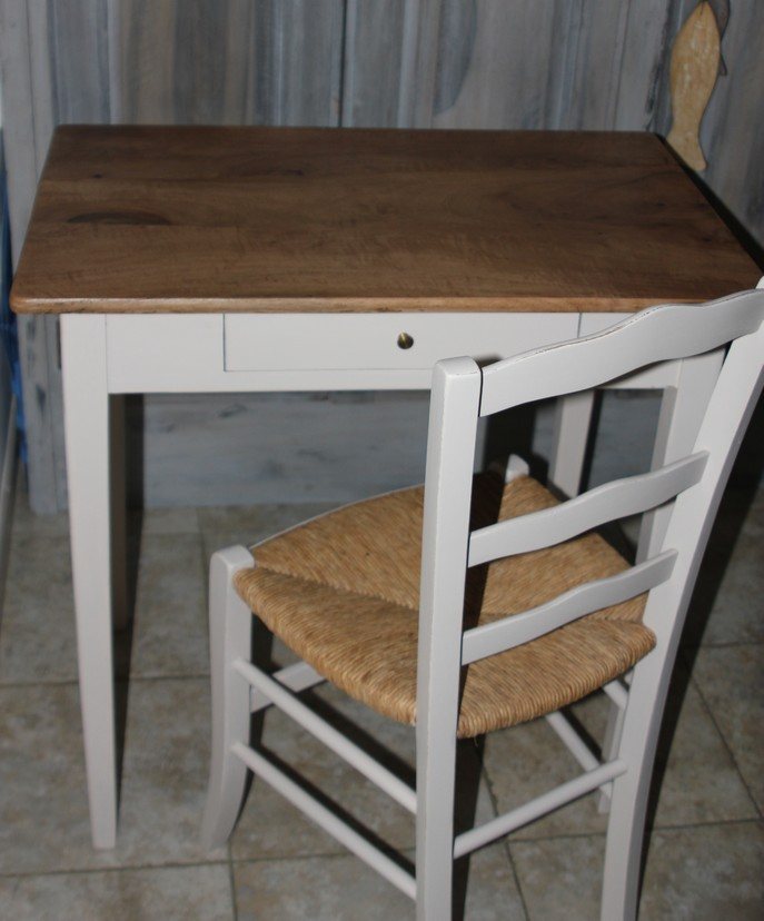 petite table et chaise