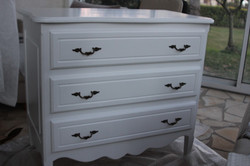Commode laquée blanche