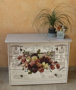 commode décor fleuri