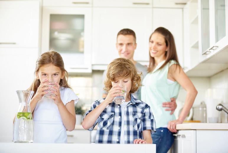 bg-family-wide.jpg