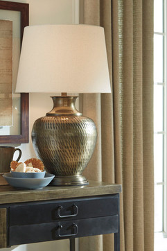 Ashley L207384 Eviana Series Lamp