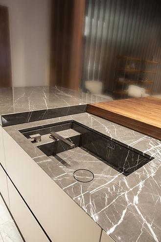 16519uk-AM_V888_kitchen_2709.jpg
