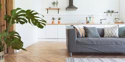 キッチンの居心地のよさ:布張り家具が歩み寄る