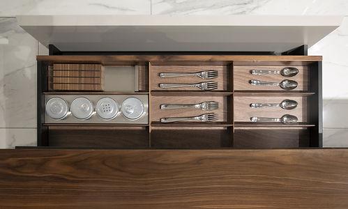16517uk-AM_V888_kitchen_2690.jpg