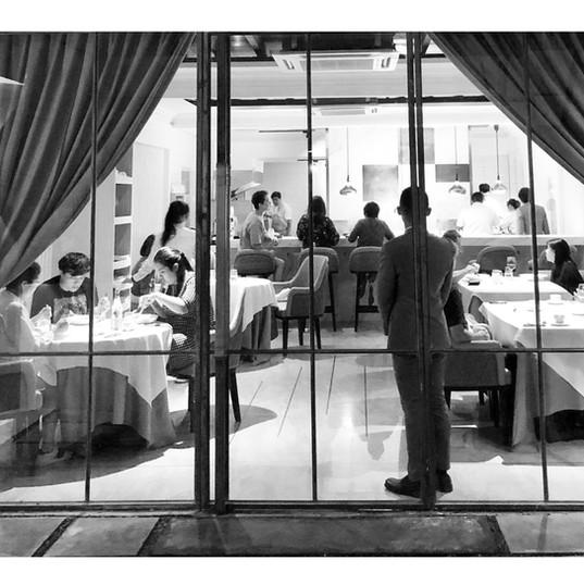 busy dinner service.jpg