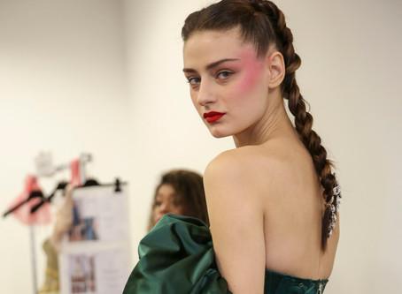 Hair trend | Aretes en el cabello cortesía de Couture Fashion Week