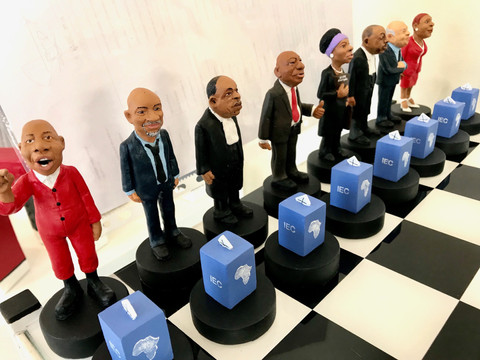 State capture Chess Set