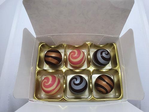 Box of 6 filled chocolates