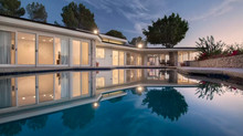 ELVIS PRESLEY'S FORMER BEVERLYHILLS HOME HITS THE MARKET FOR $30M