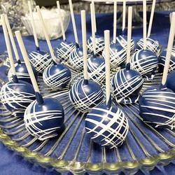 Close up on those cake pops #candyssweetsntreats  #babyshower #custumcakepops