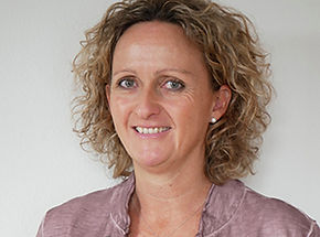 Evelyne Hofer, AGILE.CH