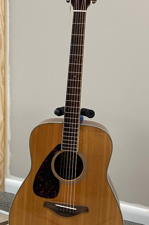 Yamaha Acoustic Guitar ~ FG820L
