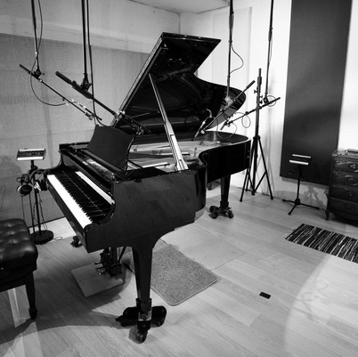 Piano Steinway B211