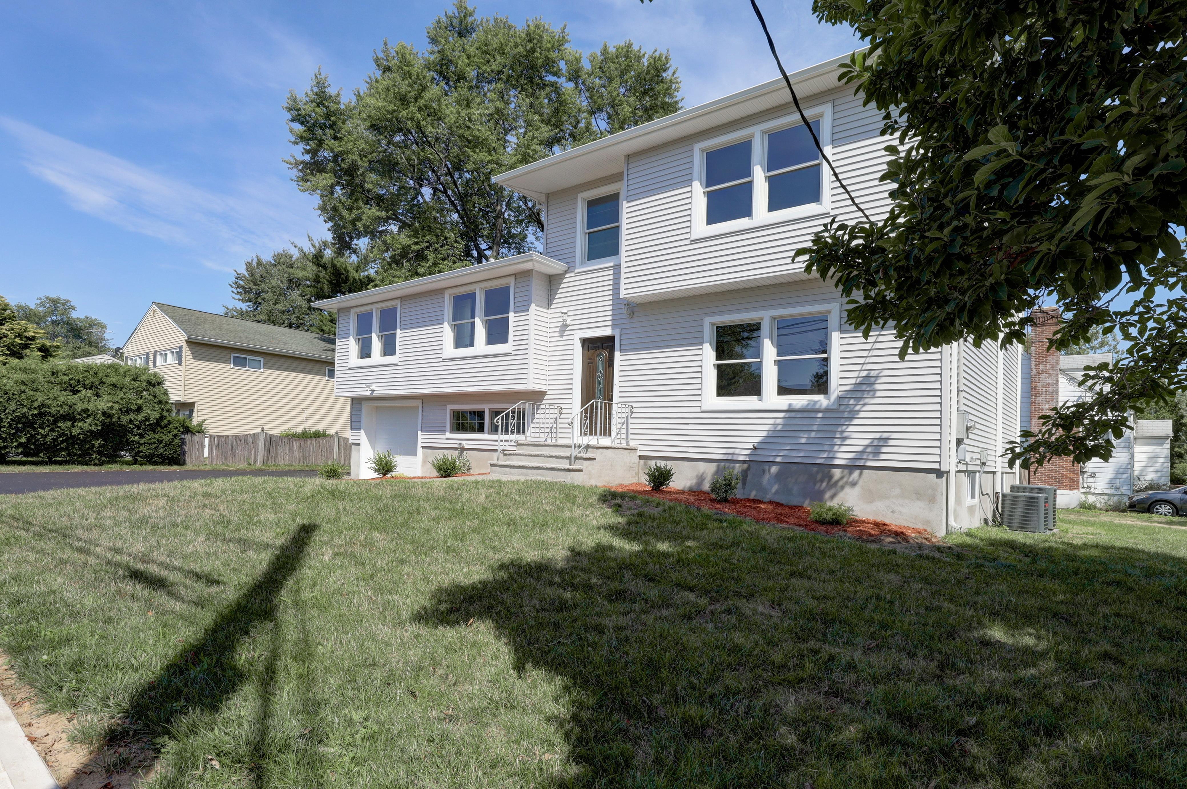 40-27 Tierney Pl., Fair Lawn, NJ
