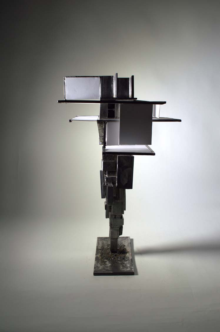 Tower made with welded steel