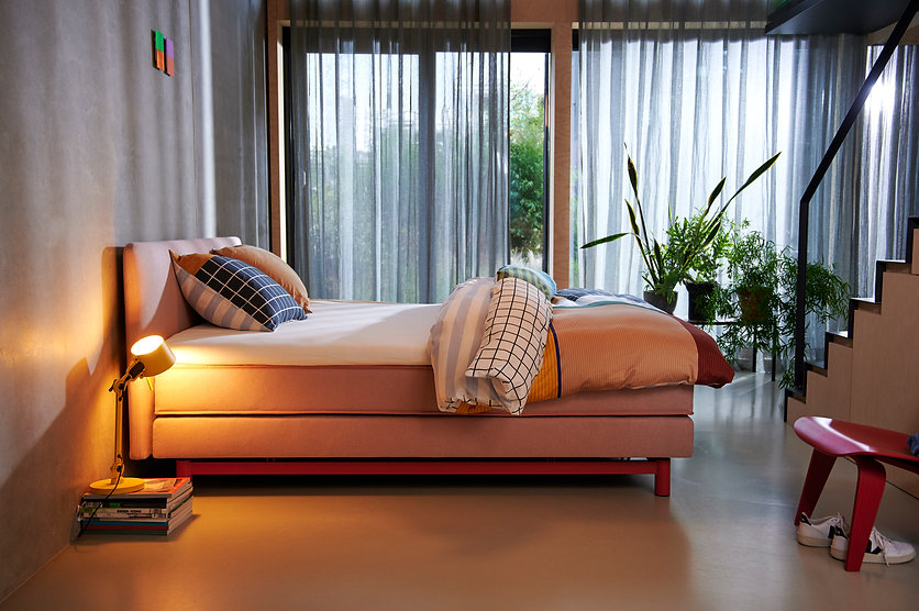 AUPING TONE_BOXSPRING CORAL RED_098.jpg