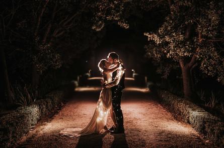 Kiss by night.jpg