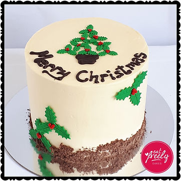 Holly Christmas Tree Cake