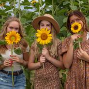 Teen Girls and sunflower photoshoot