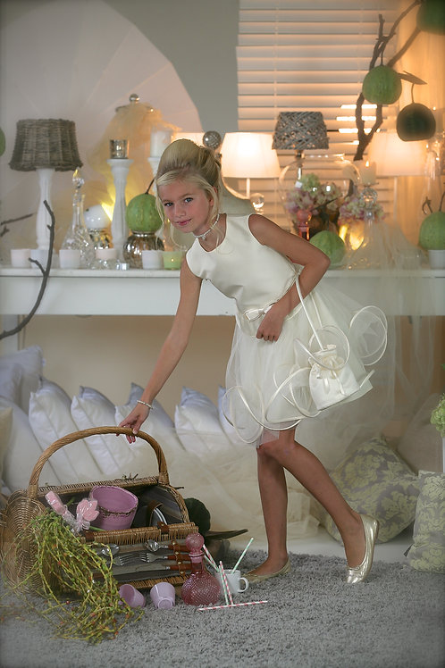 10jaar: Suzanne Ermann dress, bolero and handbag