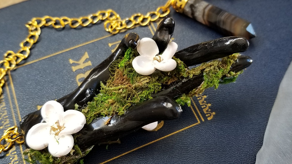 Hand Pendulum,White floral and Moss