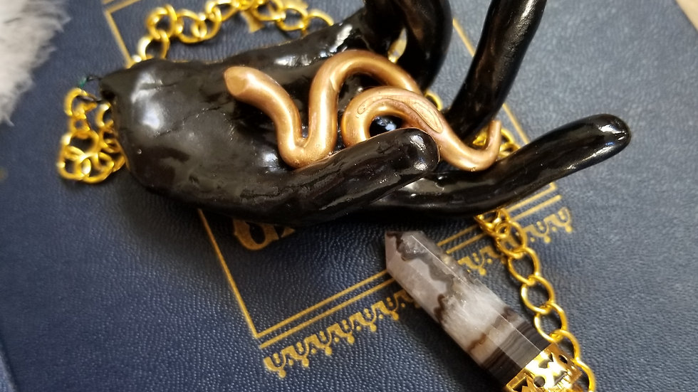 Hand Pendulum, Left Hand Serpent