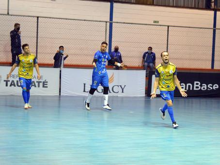 Taubaté Futsal pressiona, mas fica no empate em casa